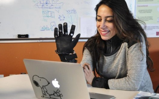 Technology puts 'touch' into long-distance relationships |  ScienceDaily