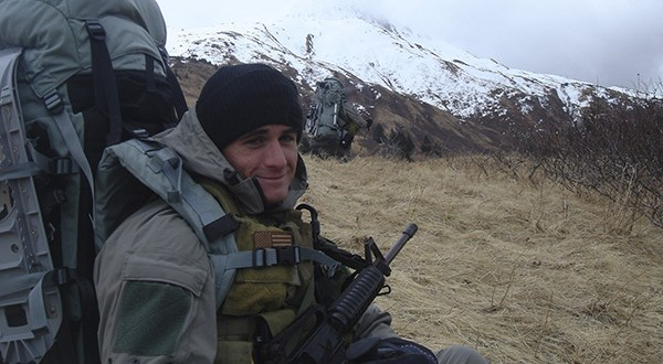 SEAL Gives Life to Save Comrades From Iraqi Insurgent's Grenade   DoDLive