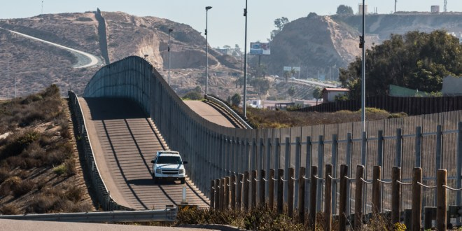 Former Navy SEAL's jog near border fence ends in legal war with Border Patrol agent | LA Times