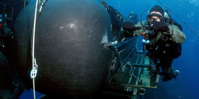 The SEALs want their divers going deeper and wirelessly networked | DefenseNews