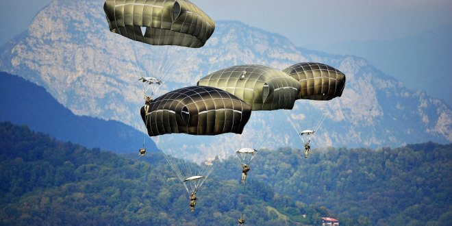 Paratrooper punches police, is arrested, sentenced all in the same morning | Army Times