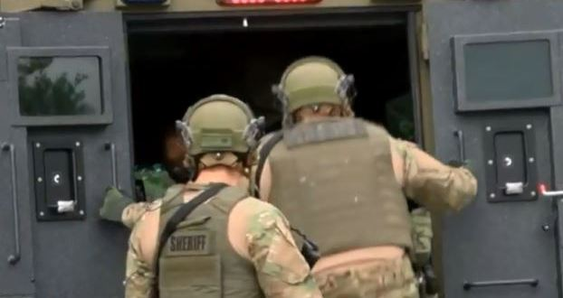 MC Sheriff's SWAT trains with Navy Seals | WFLX