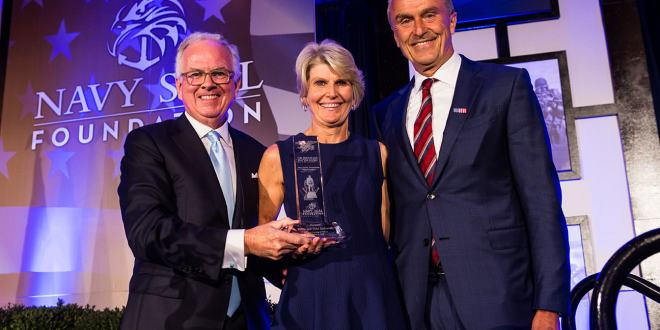 """ Robin and Mike Zafirovski Presented with Prestigious """"Navy SEAL Foundation Patriot Award"""" at the 2018 Midwest Evening of Tribute Benefiting the Navy SEAL Foundation 