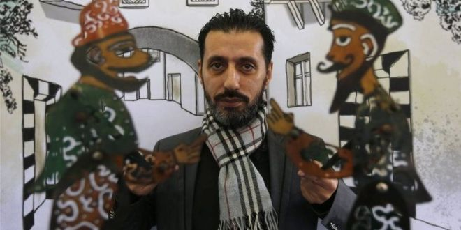 Syria war: Last puppeteer of Damascus is given lifeline | BBC