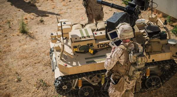 U.S. Marines are testing a machine gun-wielding robot controlled by a tablet | Digital Trends