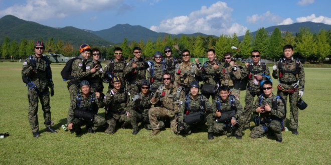 Korean and American SOF Service Members Demonstrate Unity Through Combined Freefall Jump | DVID