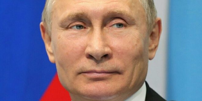 Putin was 'Conscientious and Disciplined' Spy: KGB Documents | VOA News
