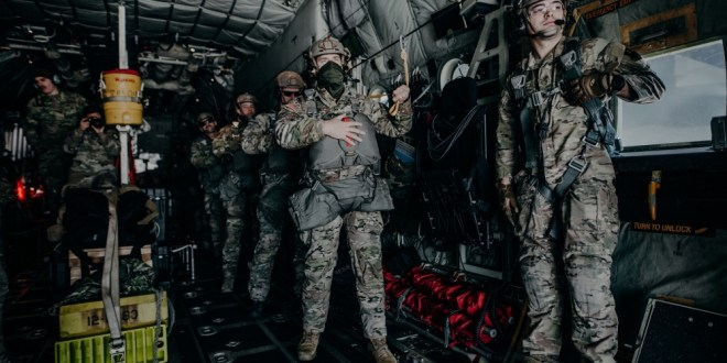 Poland and U.S. SOF execute airborne operations as one | dvids