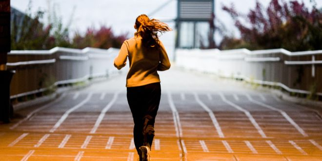 Can starting intervals too fast give you a better workout? | Runner's World