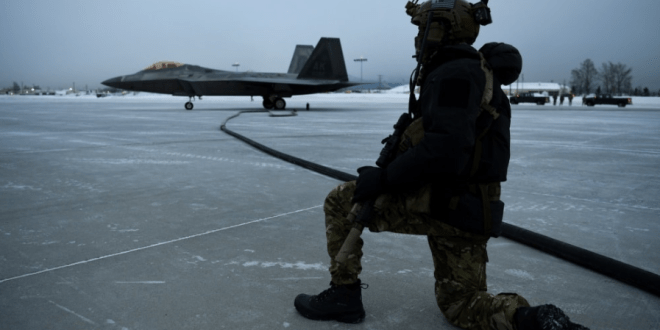 (Photos) First-ever extreme cold weather forward area refueling with F-22 fighter jets | American Military News