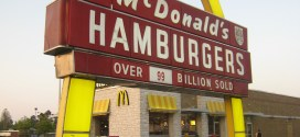 McDonald's to pause U.S. reopening of dine-in services by 21 days | Reuters