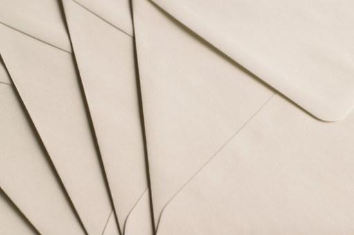 https://pixabay.com/de/briefumschlag-brief-umschlag-papier-1864643/
