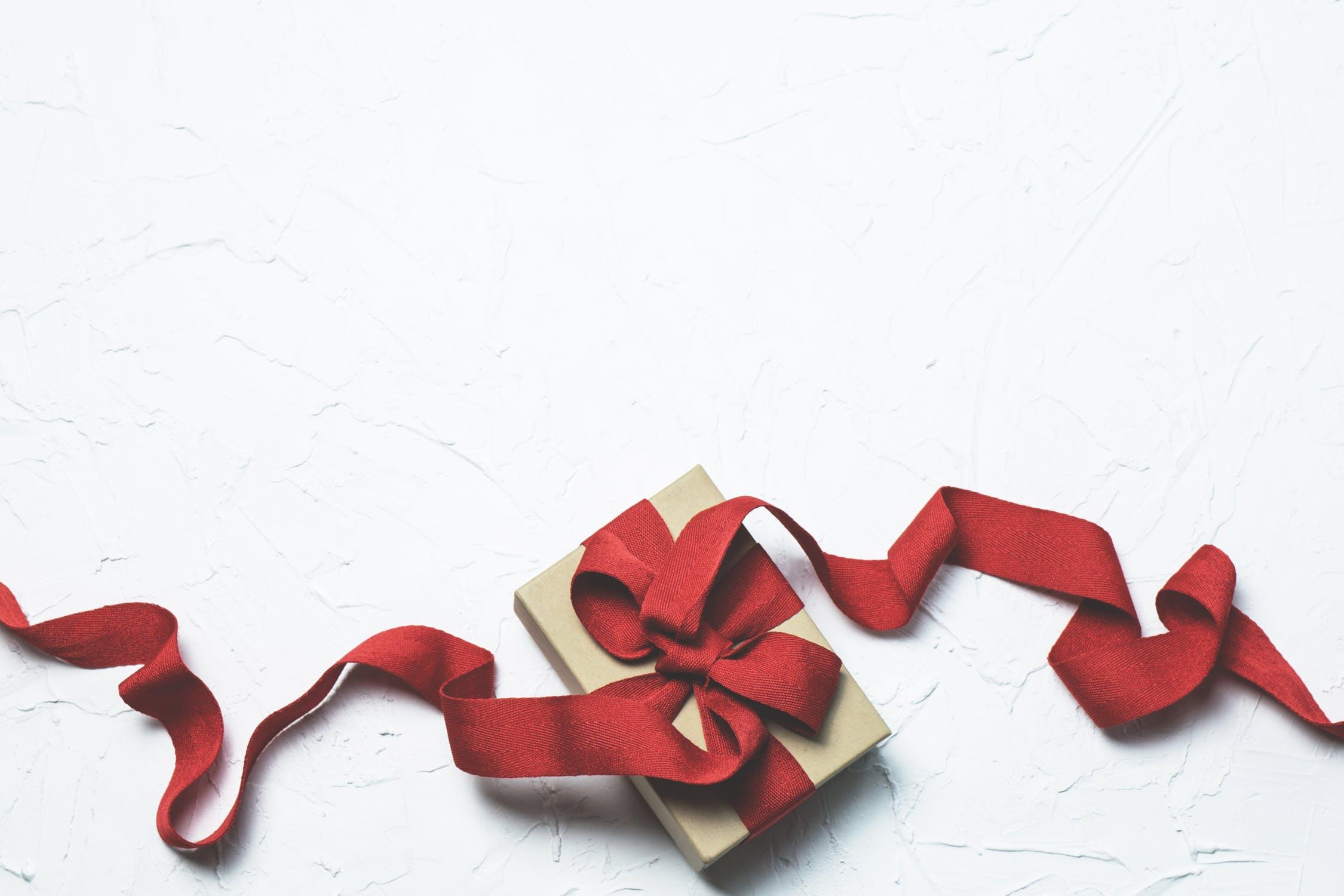 fête des mères // 50 idées cadeaux à lui offrir ! - le so girly blog
