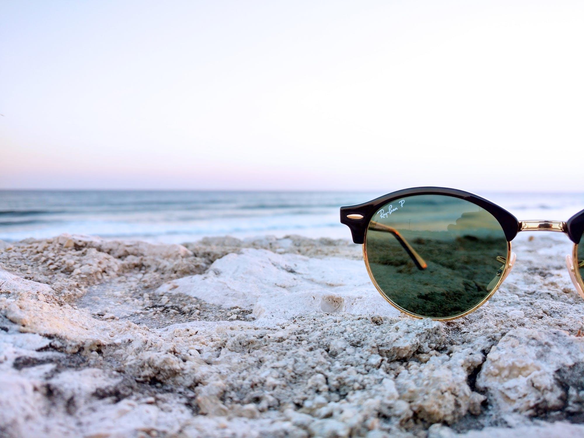 Comment bien choisir ses lunettes de soleil à sa vue   - Le So Girly ... 6e597c6374e3
