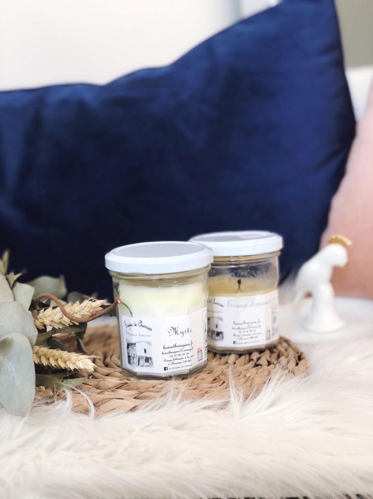 https://www.bougies-la-francaise.com/2510625-bougie-parfumee-verte-motif-pastilles-or-40h-cedre-feu-de-bois.html
