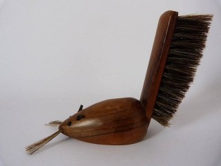 Mouse clothes brush