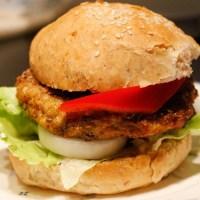 Hjemmelaget kyllingburger
