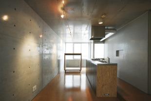 【募集終了】中野駅徒歩8分、メゾネットタイプ、アイランドキッチンが特徴のデザイナーズマンション