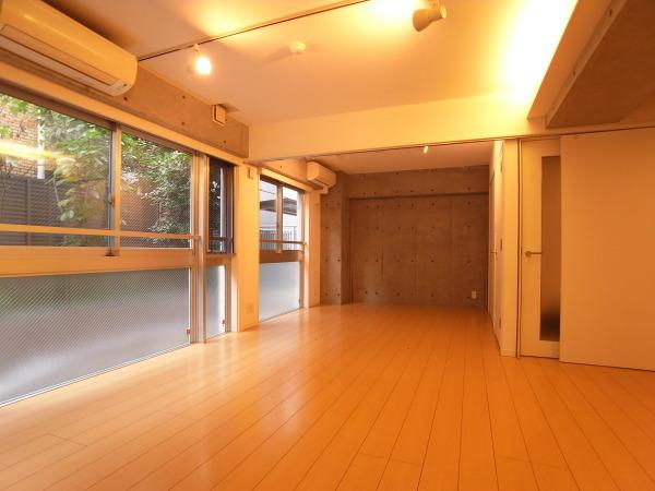 【募集終了】用賀、SOHOを意識した間取りのデザイナースマンション