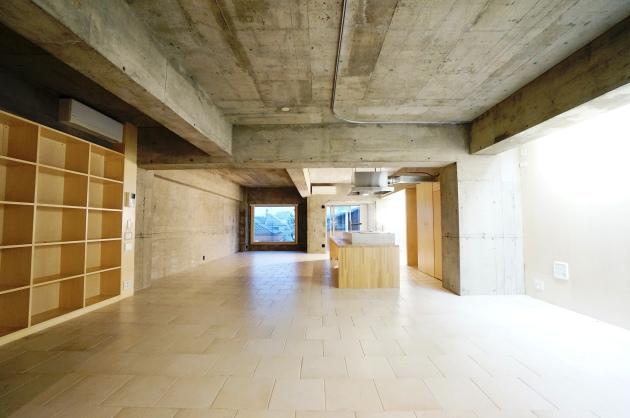ヴィラヴィスタ102号室玄関方面から|SOHO東京