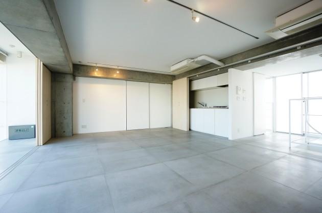 クラールハイト三宿305号室メゾネット上LDKキッチン方面|SOHO東京