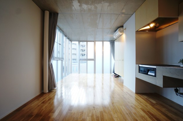 S.N HOUSE109号室LDK大きな窓|SOHO東京