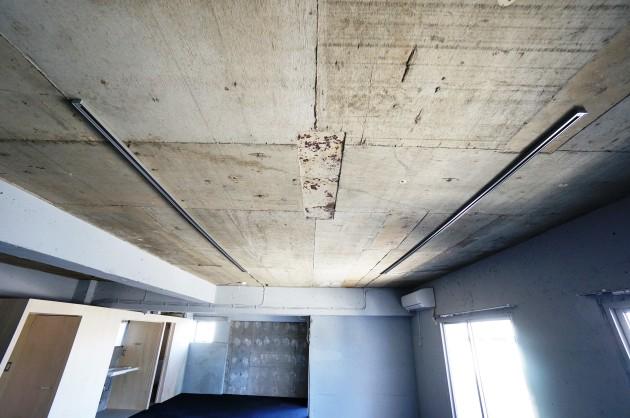 メゾン青山501号室コンクリートむき出しの天井|SOHO東京