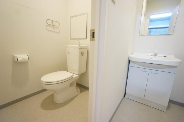 nichihata-2F-toilet