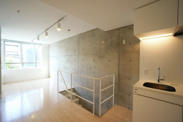 moderiabrut_omotesando-102-room-03-sohotokyo