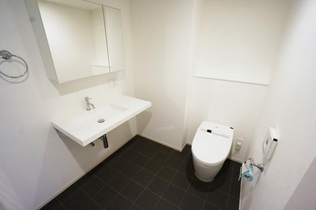 espace_tete-201-toilet-01-sohotokyo