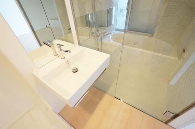 skybldg-6B-bathroom-01-sohotokyo