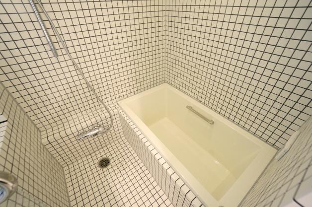 court_modelia_roppongi-404-bathroom-01-sohotokyo