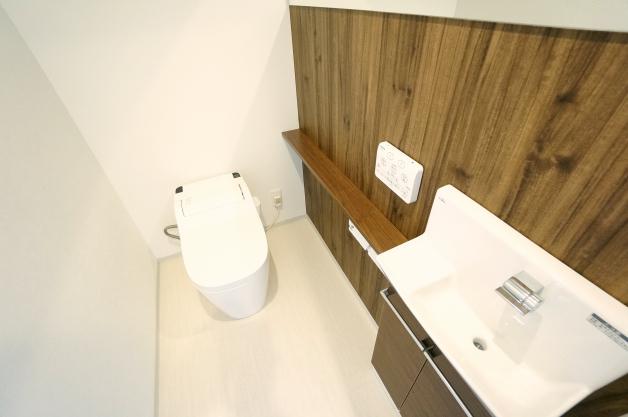 barbizon_3-301-toilet-01-sohotokyo