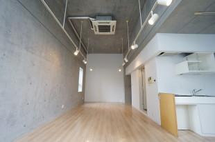 【募集終了】東麻布、4mの天井高を誇る空間で働く。