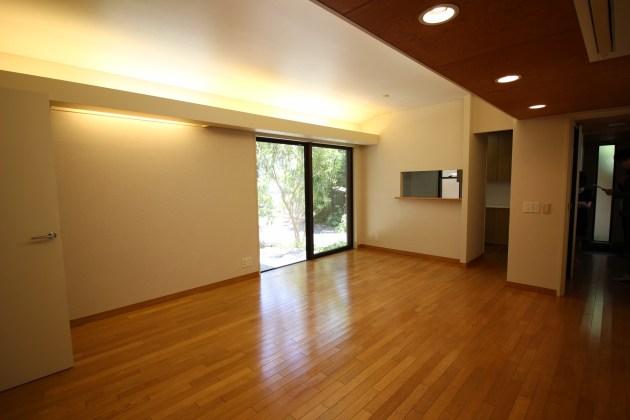 oosaki4chome_spruscompound-D-1F-livingroom-05-sohotokyo