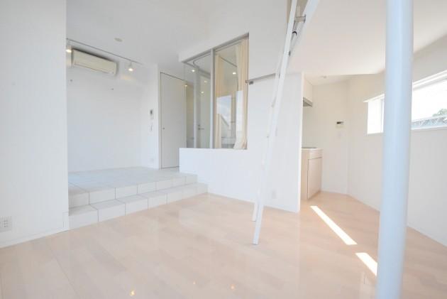moderia_brut_sangubashi-402-room-01-sohotokyo