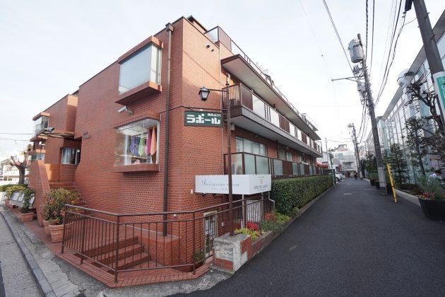 raporuminamiaoyama54-305-facade-01-sohotokyo