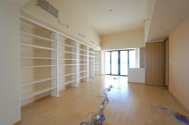 【募集終了】港区白金。絶景と本棚付き最上階ワンフロアSOHO。