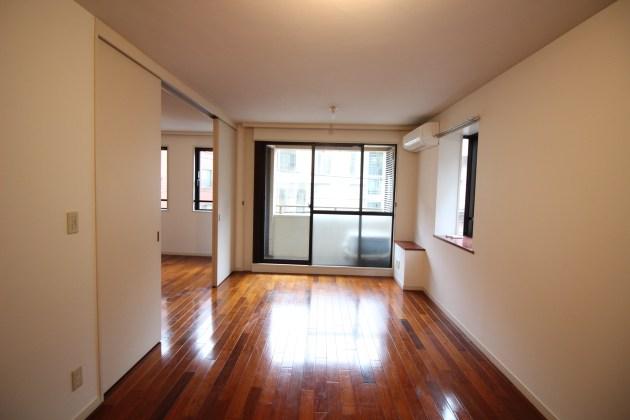 apica_harajyuku-302-livingroom-01-sohotokyo