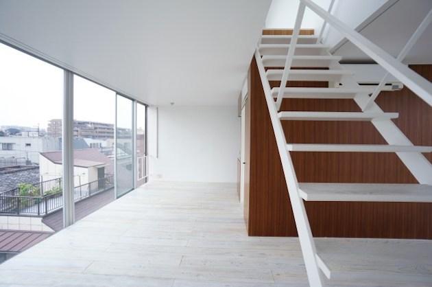 【募集終了】中野のSOHO、ルーフバルコニーと回廊式の室内空間