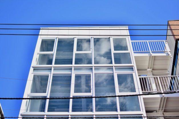 池袋7分、蒼天に映える新築オフィス・店舗