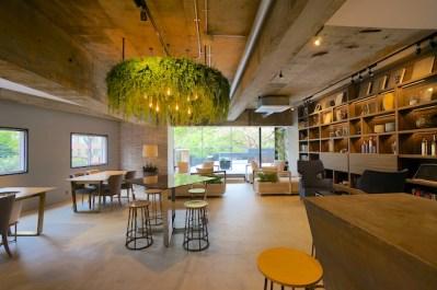 三田・田町エリア、GREEN & HOTELをテーマにしたリノベオフィス<p>[港区/22万~/23㎡~]