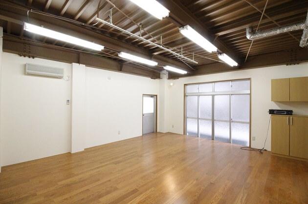 【募集終了】四谷、大通りすぐの隠れ家オフィス。