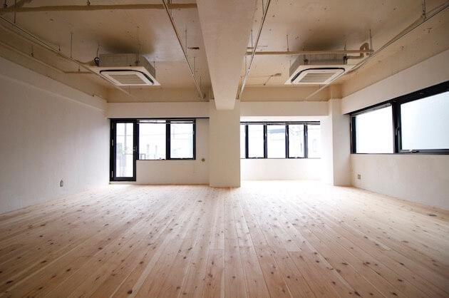 参宮橋。無垢床リノベによるオフィス空間