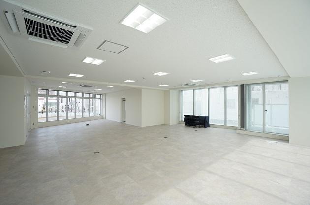 外苑前駅6分。出来上がった新築オフィス。バルコニー付区画あり。