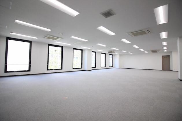 【募集終了】原宿明治通り沿い、シックな佇まいの大型オフィス。