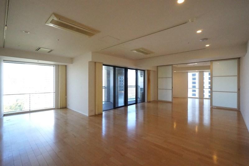 【賃料変更】赤坂見附・永田町駅近。日本の中枢を望むSOHO。