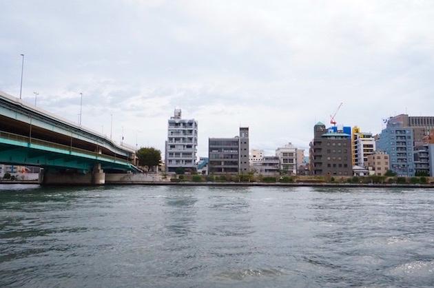 隅田川テラスが広がるリバーサイドオフィス。坪8,640円
