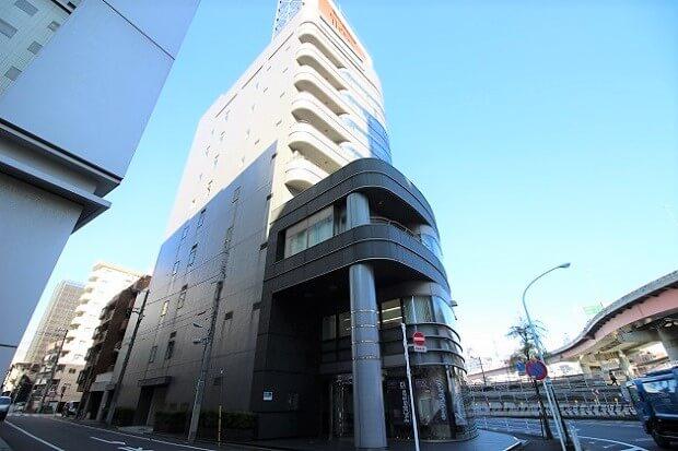 「浜町」駅徒歩3分、大型エレベータ付き広々オフィス。