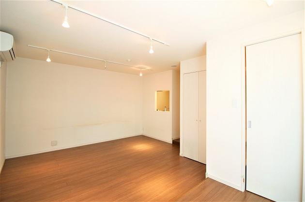 【募集終了】築地2分。レンタル収納付き、こだわりの贅沢空間。